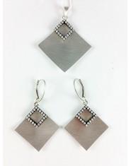Matowy komplet biżuterii romby z cyrkoniami