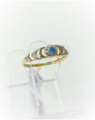 Złoty pierścionek z niebieską cyrkonią r 17