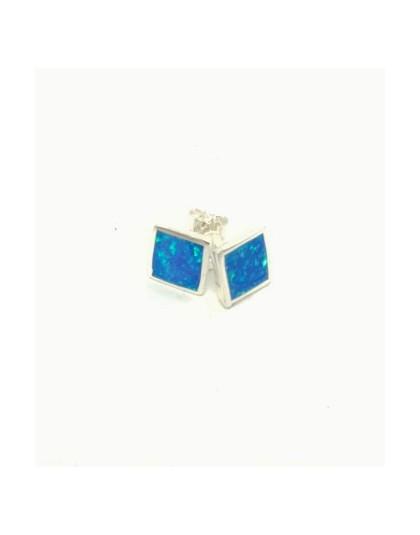 Kwadratowe kolczyki z niebieskim opalem australijskim