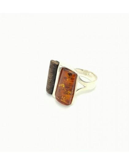 Koniakowy pierścionek z drewnem wenge