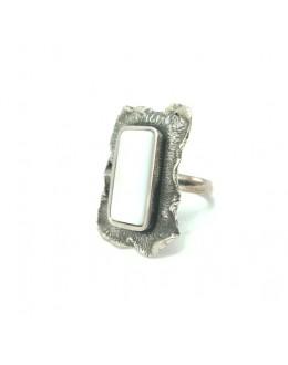 Srebrny pierścień z macicą perłową