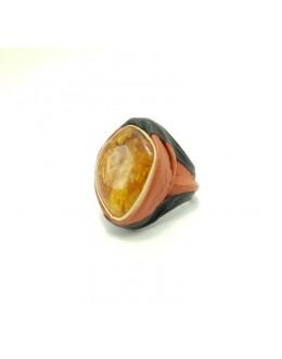 Oryginalny skórzany pierścionek z bursztynem