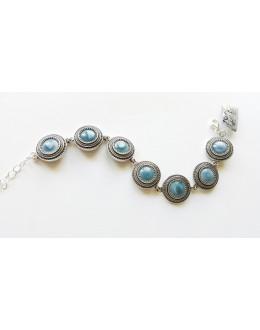 Bransoletka z okrągłych błękitnych kamieni