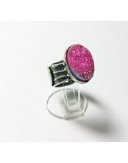 Oryginalny pierścionek z różową druzą