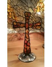 Krzyż witrażowy z bursztynu stojący