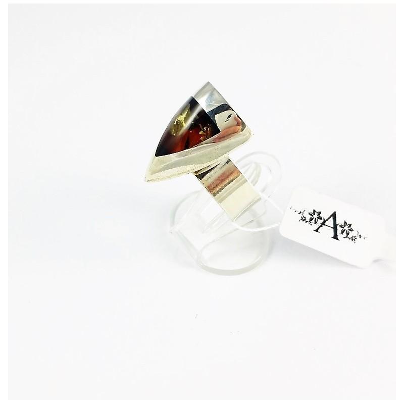 9f08921defad9e Pierścionek trójkąt z bursztynem - Galeria Ambra